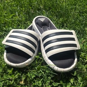 Adidas slides - Good condition - No box